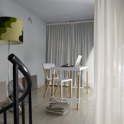 floor to ceiling curtain
