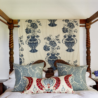 carved four poster
